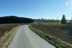 Perfektes Rennradterrain nahe Dasing