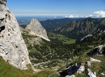 Blick vorbei am Geiselstein auf den Wanderfleck