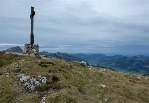 Gipfel der Sulzspitze mit Blickrichtung Alpenvorland