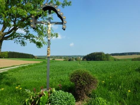 Feldkreuz zwischen Bachern und Neuried